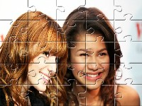 Zendaya And Bella Bff